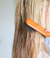 Не расчесывайте мокрые волосы