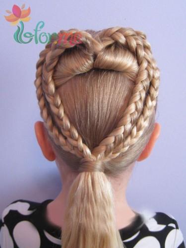 Прическа на волосах средней длины