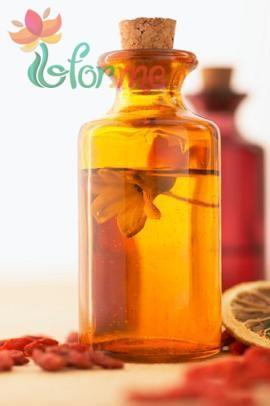 Orange oil for hair01
