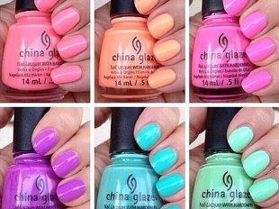 Яркая палитра лаков для ногтей China Glaze
