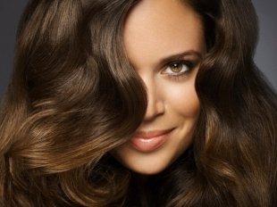 Ухоженные волосы украшают любую женщину