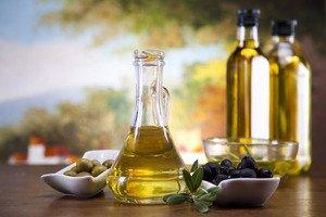 Применение касторового масла для ухода за ресницами