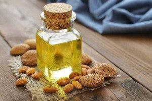 Миндальное масло для ухода за ресницами