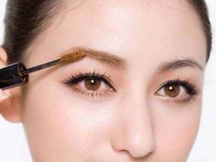 Определитесь с цветом бровей, учитывая цвет волос