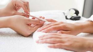 Гель является популярным материалом для наращивания ногтей