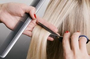 Недостатком использования перекисли является изменение структуры волоса