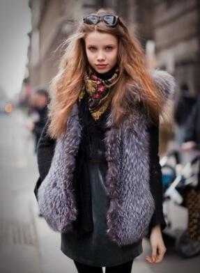 Фото 4 - Жилетка из чернобурки считается самой модной