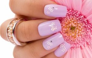 Рисование акриловыми красками на ногтях