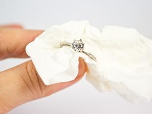 Чистка серебра с драгоценными камнями
