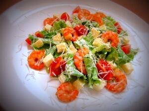 Салат из морепродуктов и яблока
