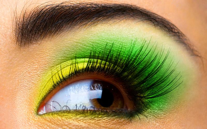 как правильно красить карие глаза