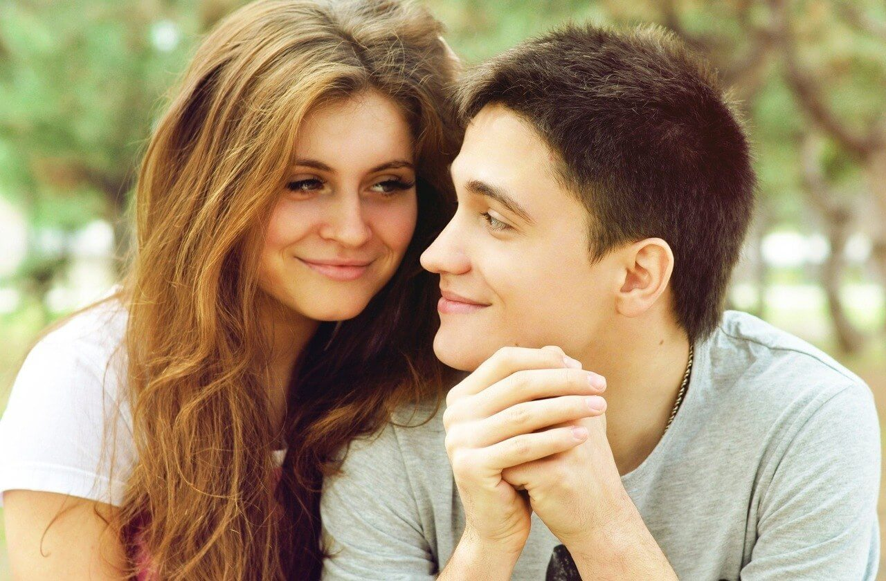 Первое знакомство признаки что он влюблен