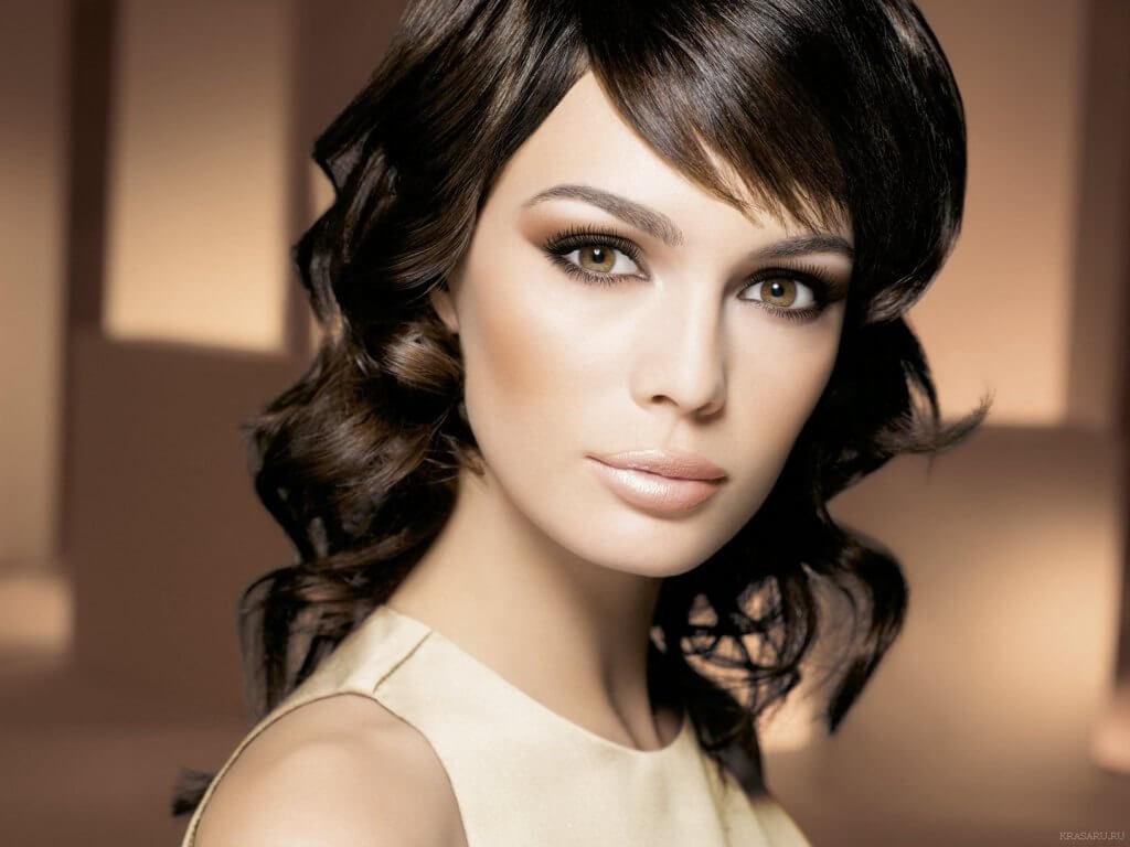 Какой макияж подходит для брюнетки с карими глазами фото