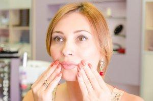 Как предостеречь носогубные морщины