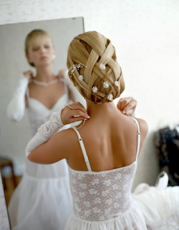 свадебные прически с фатой и диадемой