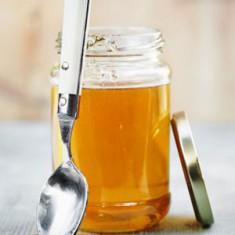 Мед часто встречается в рецептах красоты