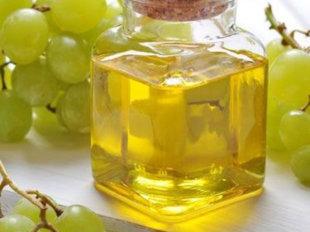 Масло из виноградной косточки обладает полезными свойствами