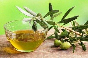 Применение оливкового масла для ухода за ресницами