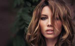 Колорирование является одним из методов окрашивания волос