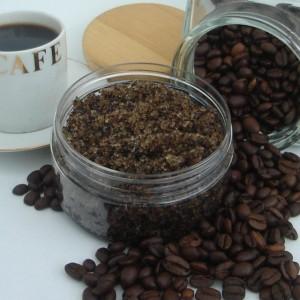Из кофе можно приготовить антицеллюлитное средство