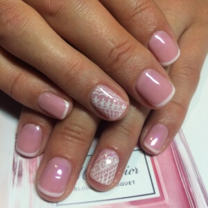 Большинству мужчин по вкусу маникюр на коротких ногтях