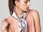 Фото 1 - Способов завязывания платков на шее существует достаточно много