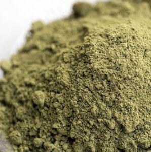 Хна имеет зеленый цвет