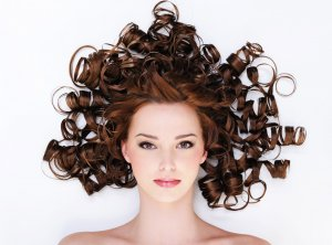 Как ухаживать за кудрявыми волосами