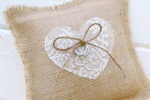 Первая годовщина свадьбы: что подарить