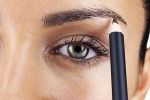 как рисовать брови карандашом