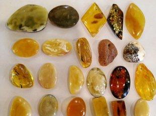 Разноцветный и многоликий янтарь