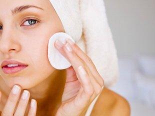 Очищение кожи лица маслом